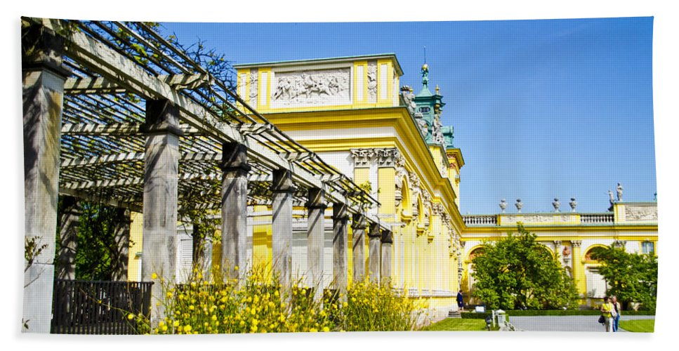 Wilanow Palace Bath Sheet featuring the photograph Garden Entry Wilanow Palace - Warsaw by Jon Berghoff
