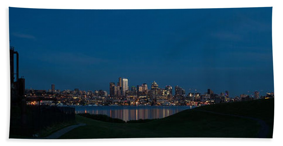 Seattle Bath Sheet featuring the photograph Gasworks Seattle Citiscape by Mike Reid