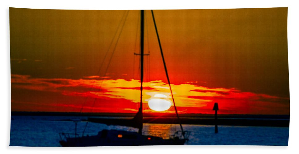 Sunsets Bath Sheet featuring the photograph Good Night by Shannon Harrington