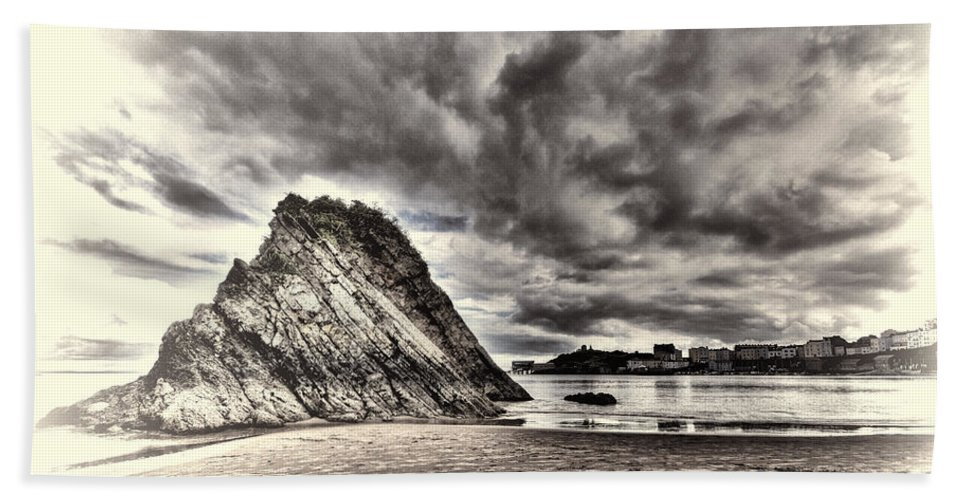 Goscar Rock Tenby Bath Sheet featuring the photograph Goscar Rock Tenby Cream by Steve Purnell