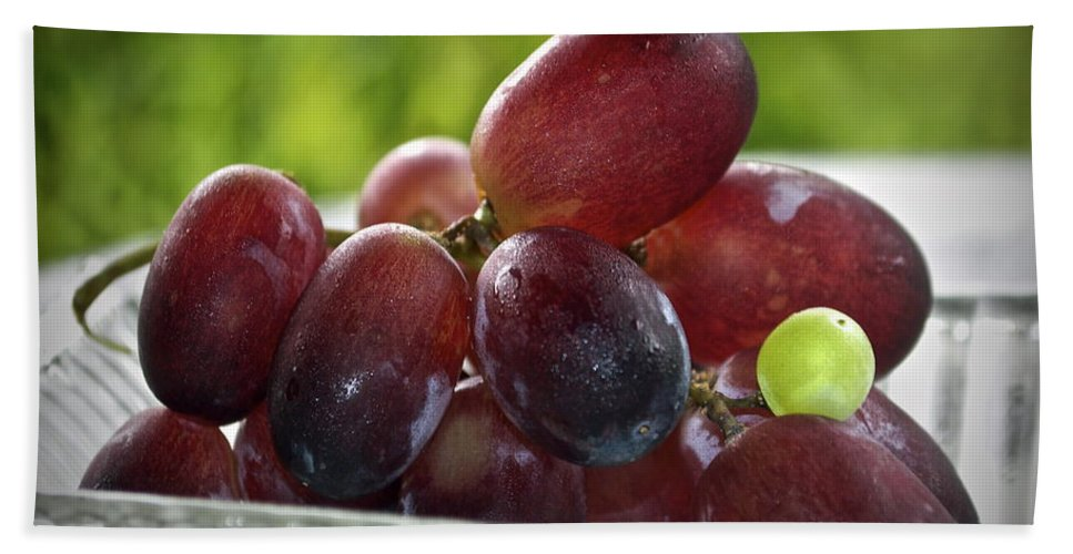 Grape Hand Towel featuring the photograph Grapes by Gwyn Newcombe