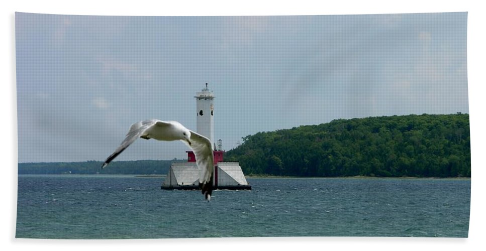 Sea Gull Bath Sheet featuring the photograph Gull And Lighthouse by Keith Stokes