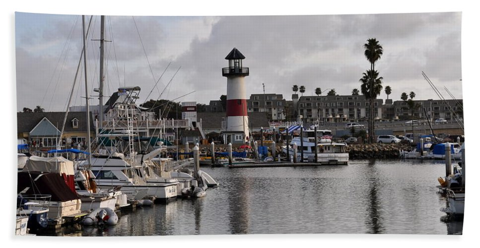 Oceanside Bath Sheet featuring the photograph Harbor Lighthouse by Bridgette Gomes