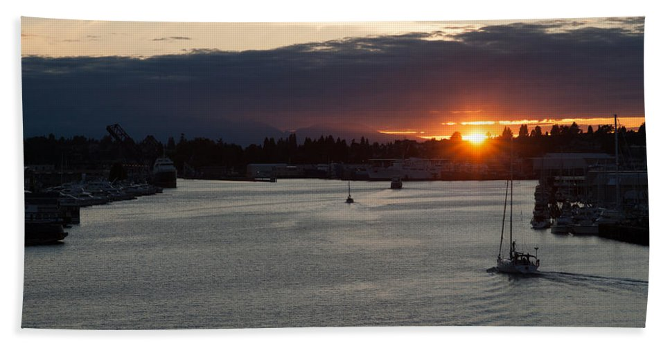 Sunset Hand Towel featuring the photograph Heading Out Of Town by Mike Reid