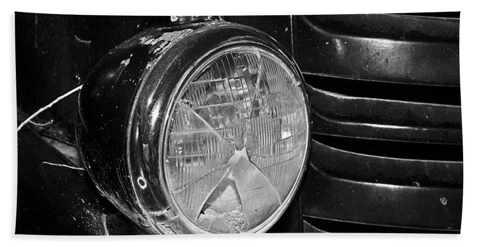 Headlight Bath Sheet featuring the photograph Headlamp Out by Phyllis Denton