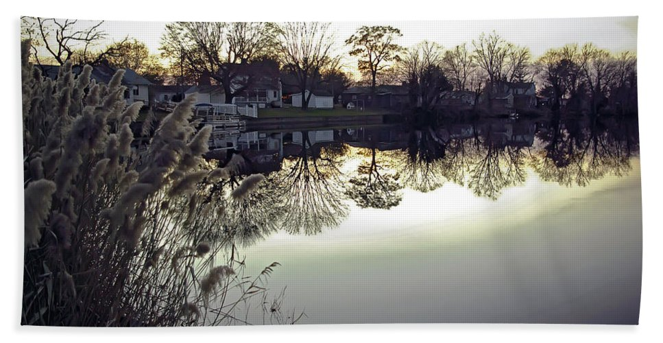 2d Bath Sheet featuring the photograph Hearns Pond Reflection by Brian Wallace