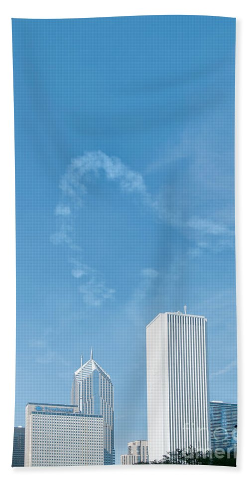 Chicago Hand Towel featuring the digital art Heart by Carol Ailles
