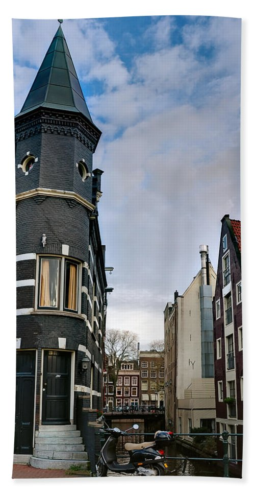 Holland Amsterdam Hand Towel featuring the photograph Herengracht 395. Amsterdam by Juan Carlos Ferro Duque