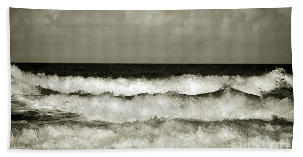 Tide Bath Sheet featuring the photograph High Tide by Susanne Van Hulst