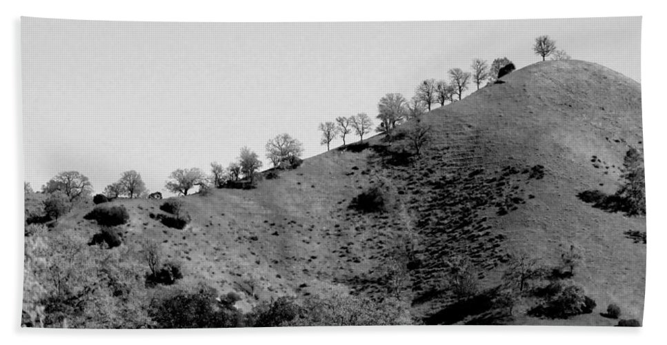 Hill Hand Towel featuring the photograph Hilltop In A Row - Black And White by Kathleen Grace