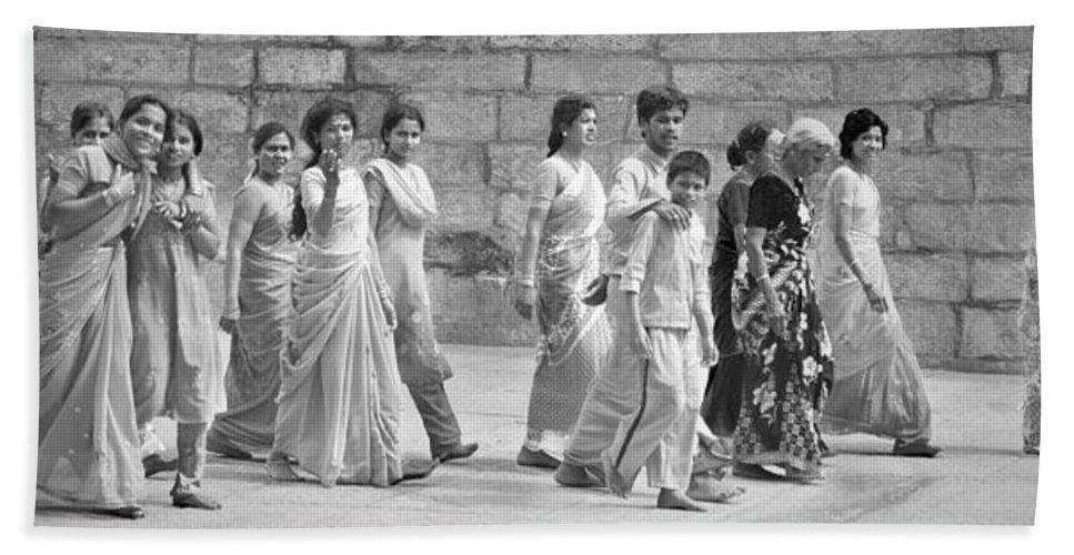 People Bath Sheet featuring the photograph Hindu Pilgrims In Madurai by Valerie Rosen