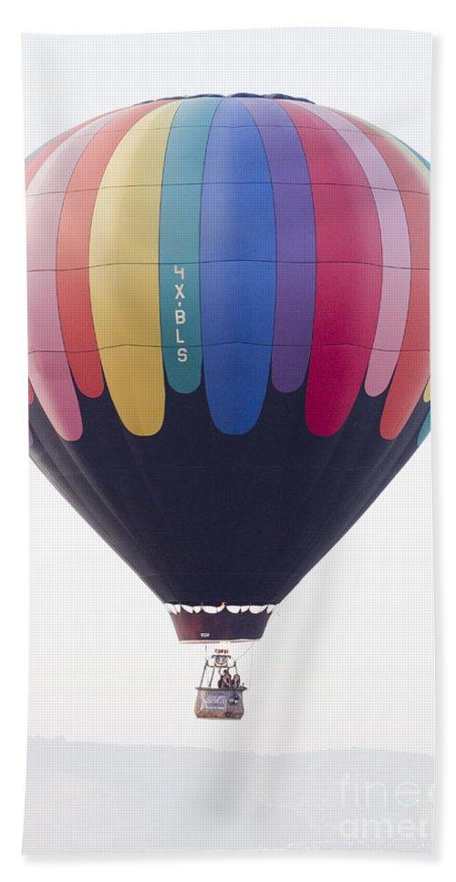 Hot Air Balloon Hand Towel featuring the photograph Hot Air Balloon by Sv