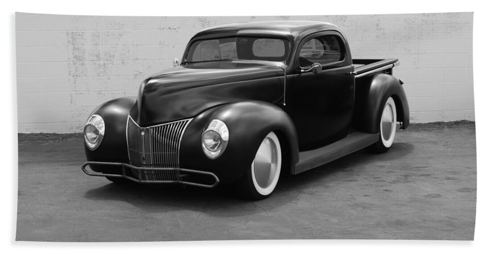 Hot Rod Hand Towel featuring the photograph Hot Rod Pick Up by Rob Hans