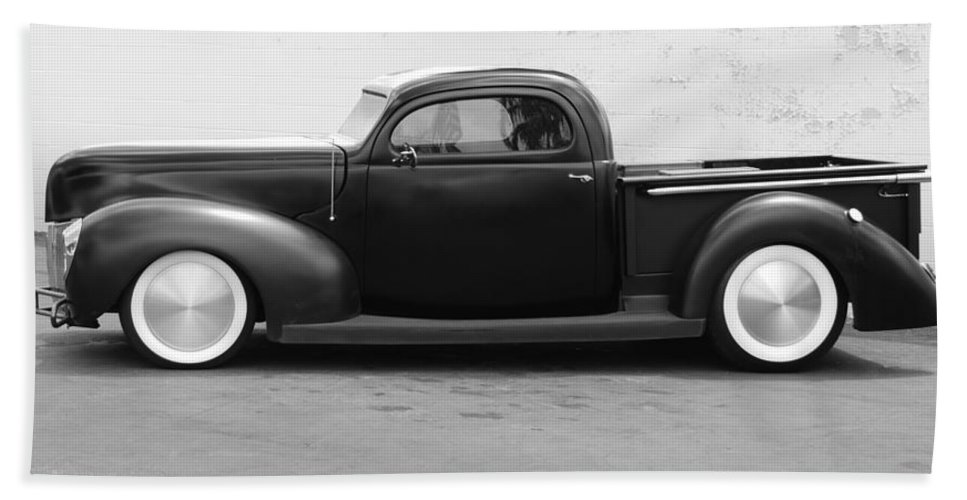 Hot Rod Hand Towel featuring the photograph Hot Rod Pickup by Rob Hans