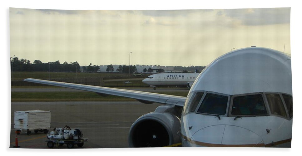Airplane Hand Towel featuring the photograph Houston by Priscilla Richardson