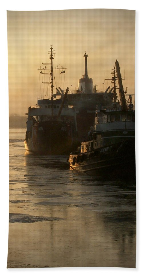 Boats Hand Towel featuring the photograph Huddled Boats by Tim Nyberg