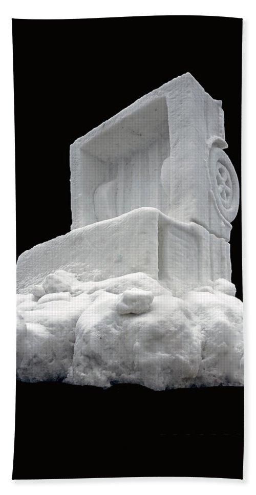 Usa Bath Sheet featuring the photograph Ice Snow Truckers by LeeAnn McLaneGoetz McLaneGoetzStudioLLCcom