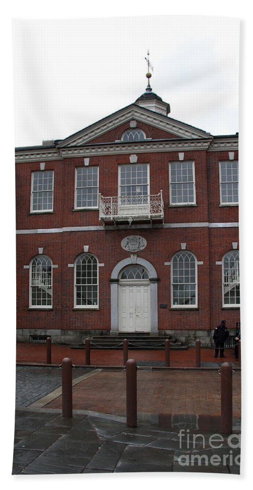 Independence Hall Bath Sheet featuring the photograph Independence Hall Philadelphia I by Christiane Schulze Art And Photography