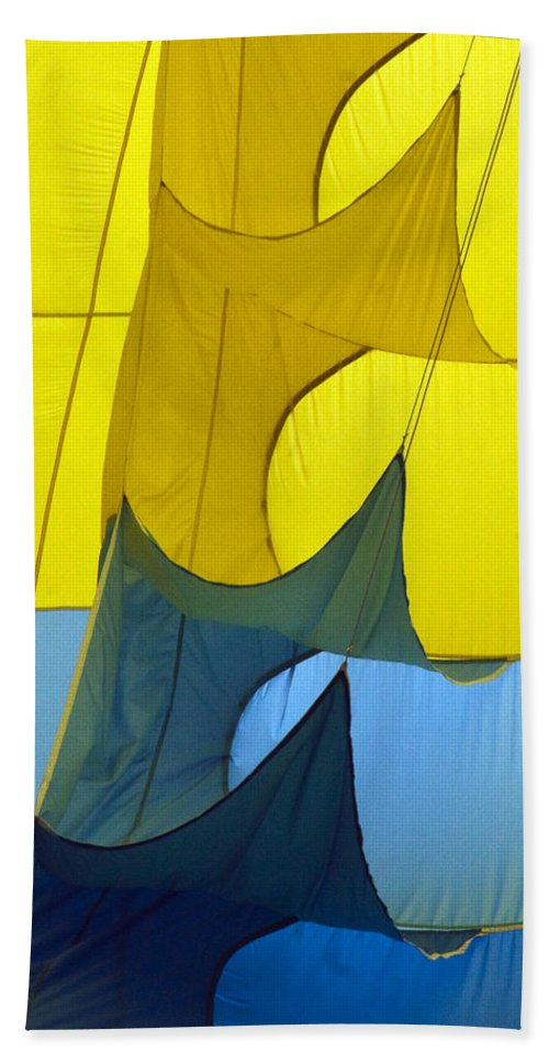 Yellow Hand Towel featuring the photograph Inside The Balloon by Darleen Stry