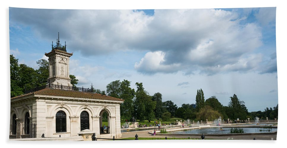 London Hand Towel featuring the photograph Italian Gardens London by Andrew Michael