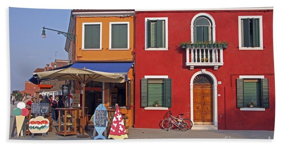 Venice Hand Towel featuring the photograph Italy Venice by Amos Dor