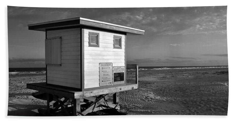 Fine Art Photography Bath Sheet featuring the photograph Jetty Park Beach by David Lee Thompson