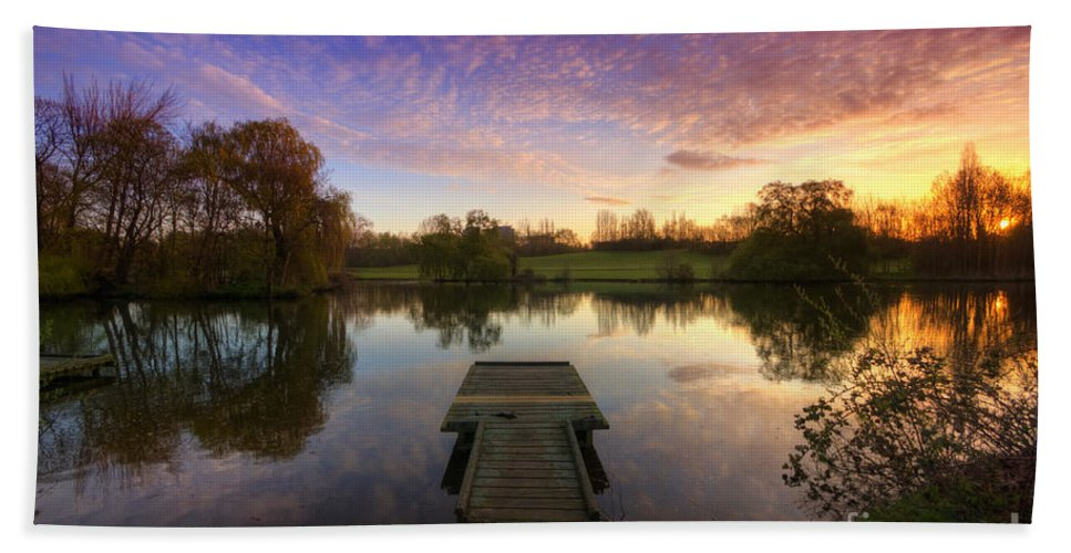 Yhun Suarez Hand Towel featuring the photograph Jetty Sunrise 4.0 by Yhun Suarez