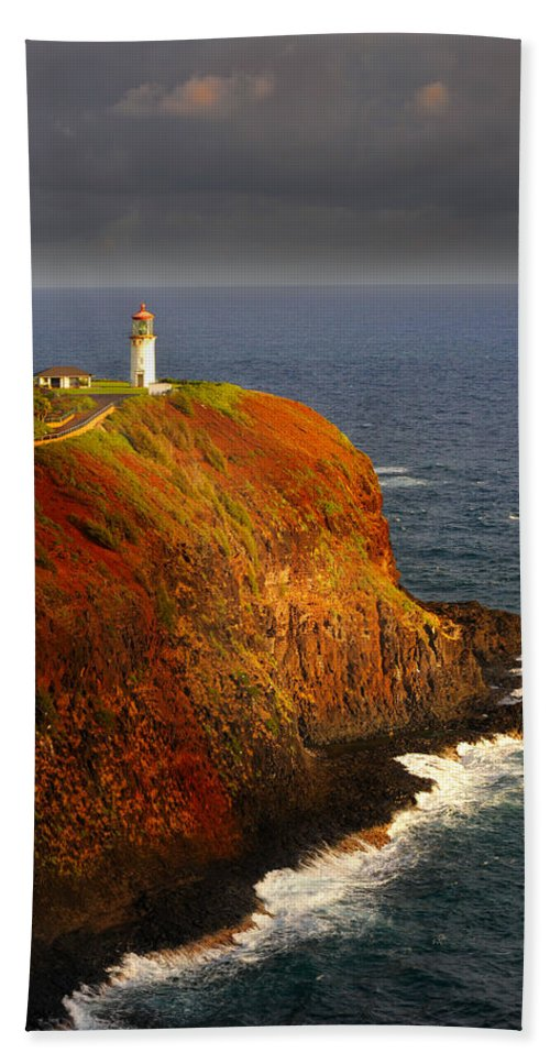 Lighthouse Hand Towel featuring the photograph Kilauea Lighthouse by Kenneth Sponsler