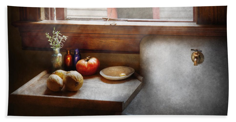 Hdr Hand Towel featuring the photograph Kitchen - Sink - Farm Kitchen by Mike Savad
