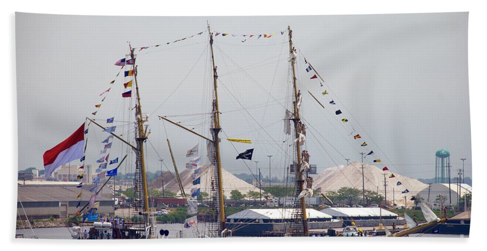 Baltimore Hand Towel featuring the photograph Kri Dewaruci Passing By Fort Mchenry by Mark Dodd