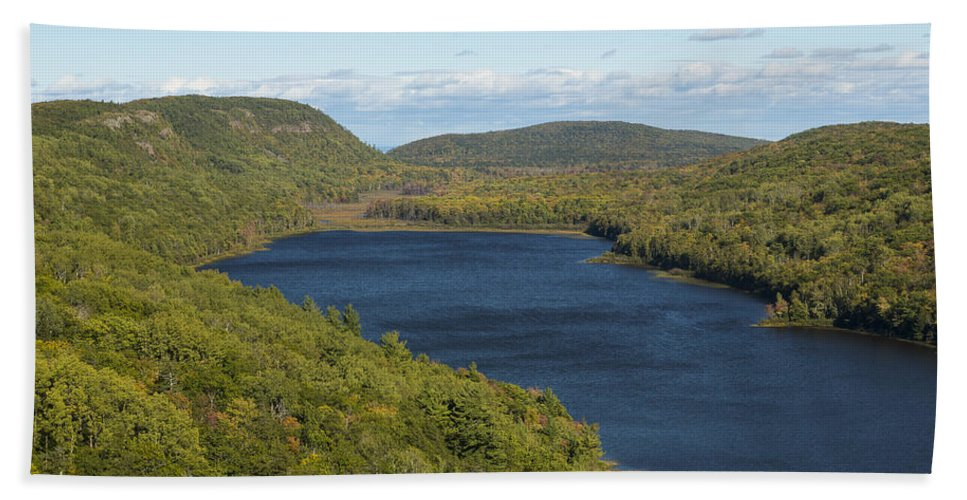 Lake Hand Towel featuring the photograph Lake Of The Clouds 1 by John Brueske
