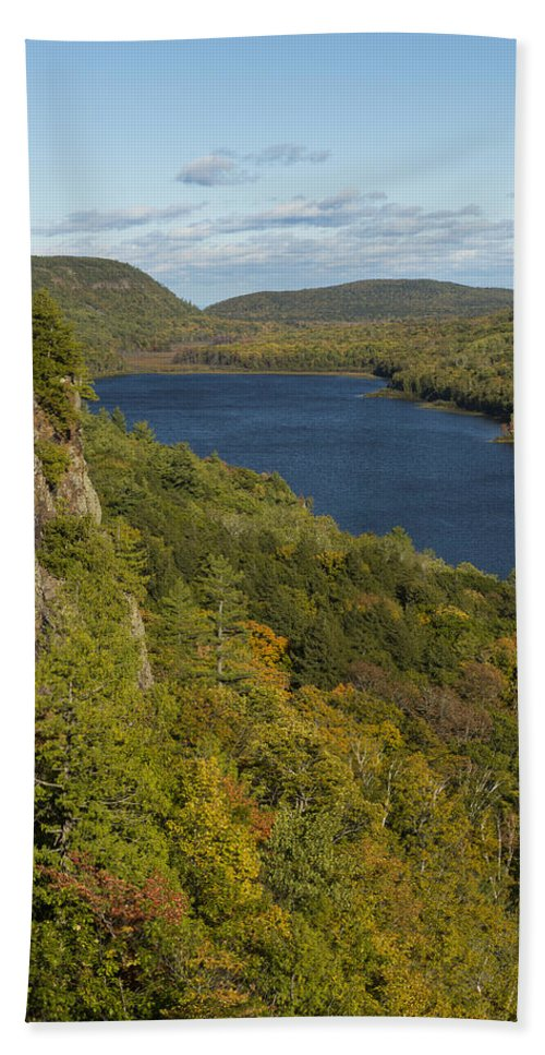 Lake Hand Towel featuring the photograph Lake Of The Clouds 4 by John Brueske