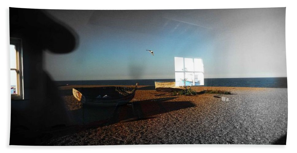 Seagull Bath Sheet featuring the photograph Late Flight by Charles Stuart