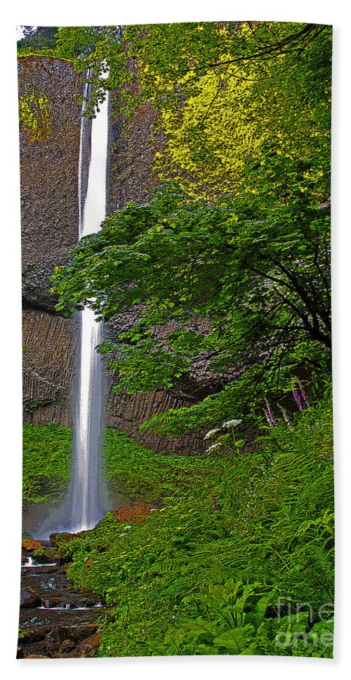 Oregon Hand Towel featuring the photograph Latourell Falls Oregon - Posterized by Rich Walter
