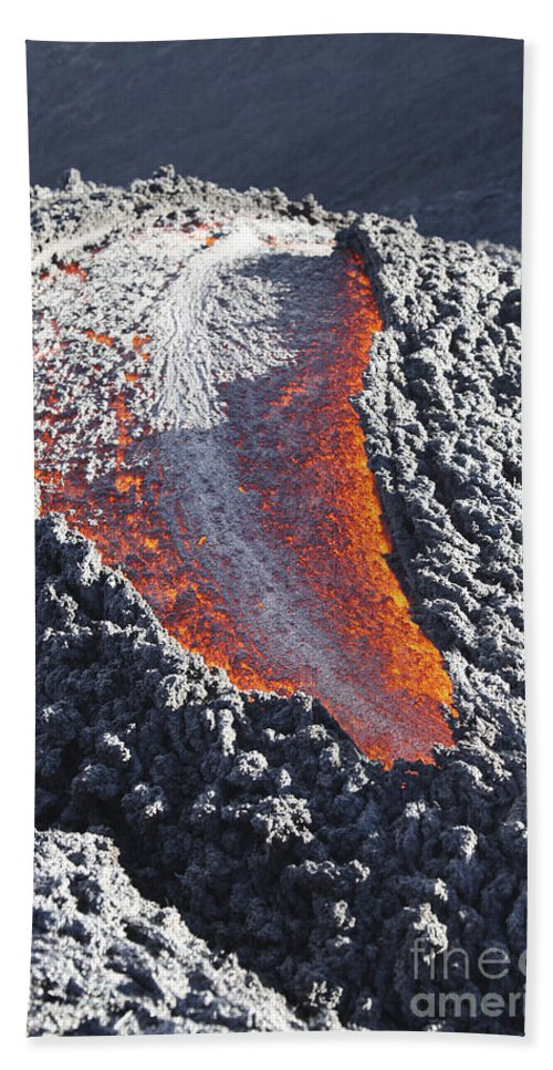 Glow Bath Sheet featuring the photograph Lava Flow On The Flank Of Pacaya by Richard Roscoe