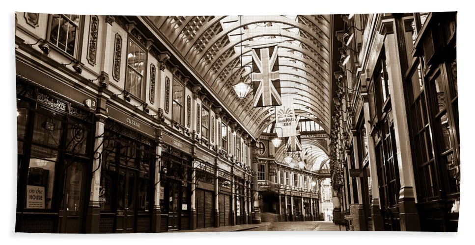 Leadenhall Bath Sheet featuring the photograph Leadenhall Market London With by David Pyatt