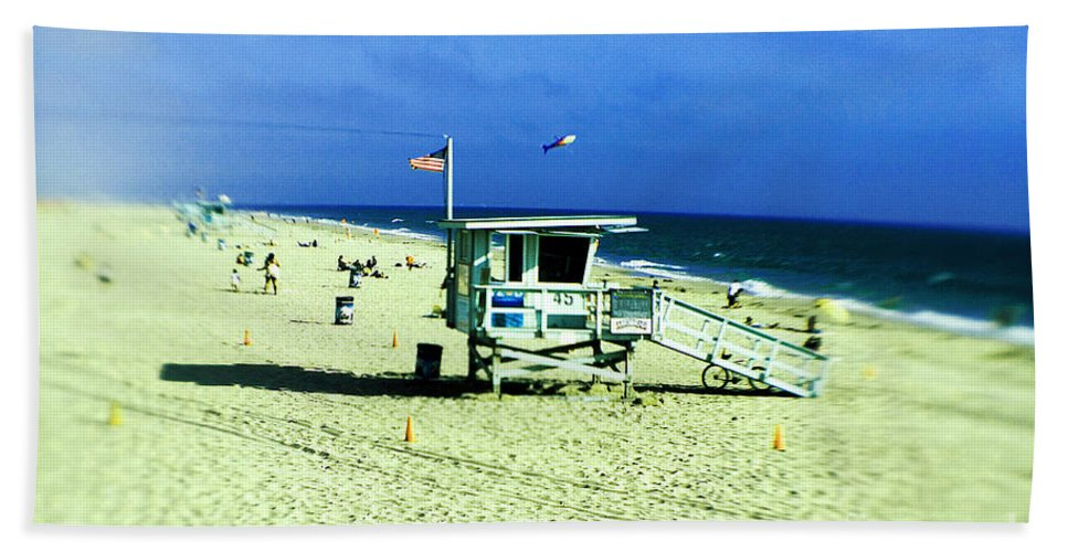 Lensbaby Hand Towel featuring the photograph Lifeguard Shack by Scott Pellegrin
