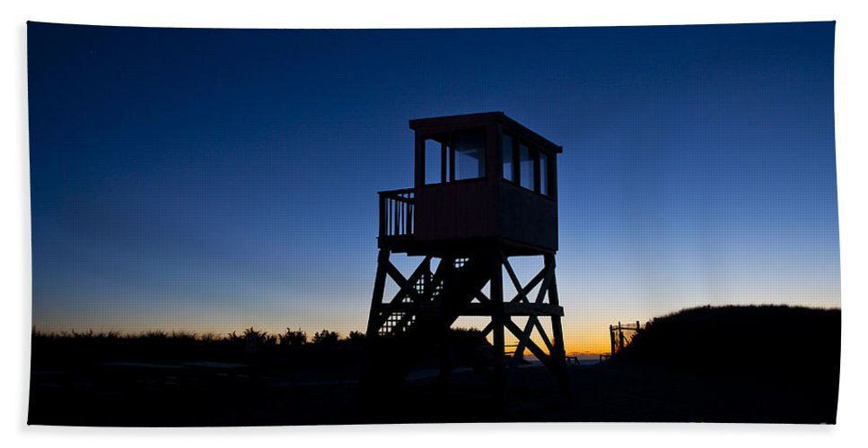 Atlantic Ocean Hand Towel featuring the photograph Lifeguard Stand At Dawn by John Greim