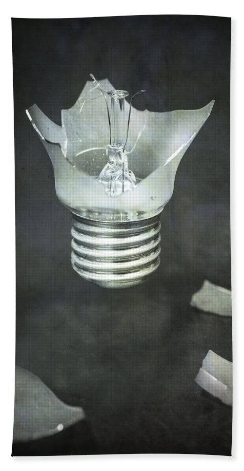 Bulb Hand Towel featuring the photograph Light Bulb by Joana Kruse