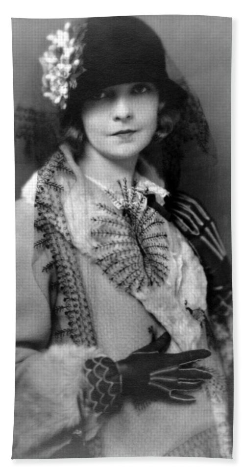 Lillian Gish Actress Vintage Black White Woman Girl Female 1922 Hand Towel featuring the photograph Lillian Gish 1922 by Steve K