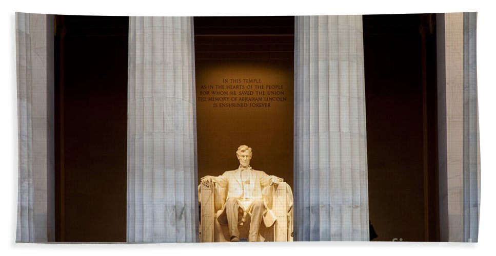 Lincoln Memorial Hand Towel featuring the photograph Lincoln Memorial by Brian Jannsen