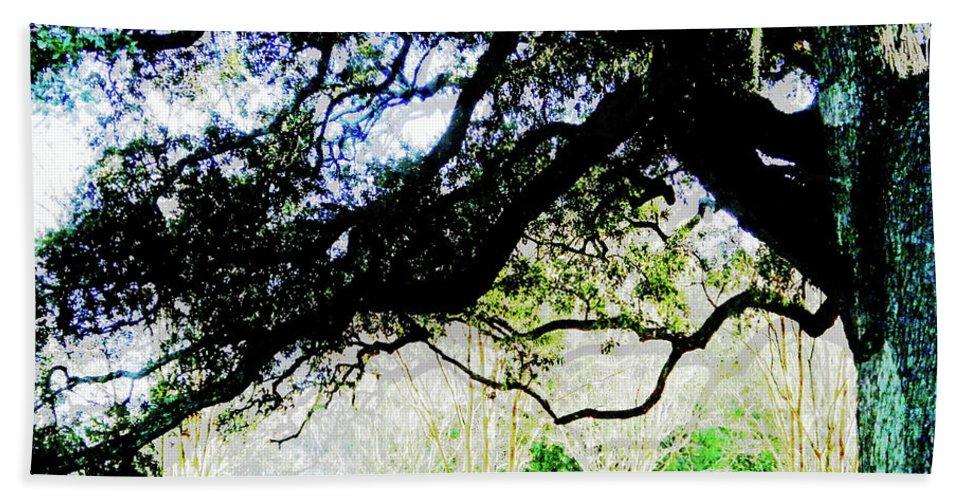 Live Oak Bath Sheet featuring the digital art Live Oak At Capitol Lakes Park by Lizi Beard-Ward