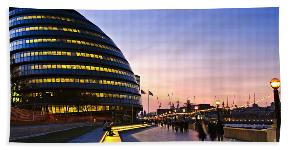 London Hand Towel featuring the photograph London City Hall At Night by Elena Elisseeva