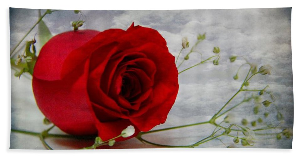 Rose Bath Sheet featuring the photograph Love Is Everlasting by Davandra Cribbie