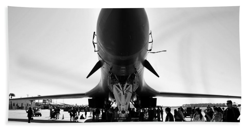 Fine Art Photography Bath Sheet featuring the photograph Macdill Airfest by David Lee Thompson