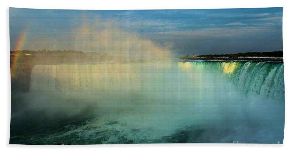 Niagara Falls Hand Towel featuring the photograph Maid Of The Mist by Adam Jewell