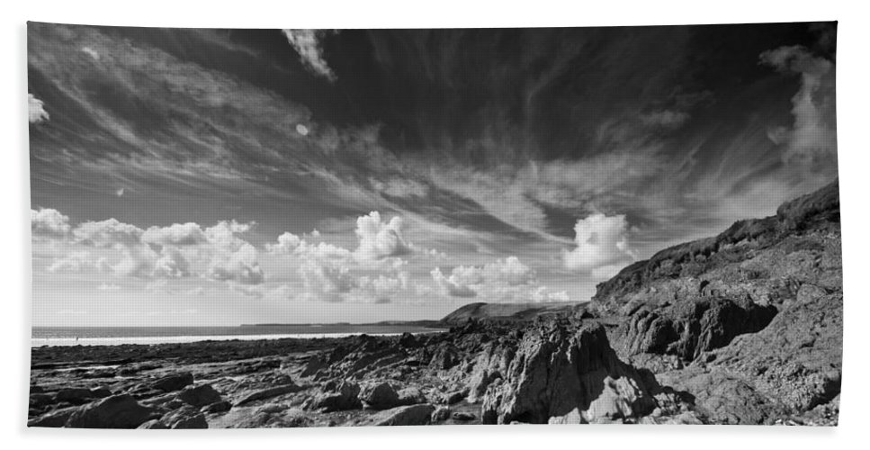 Manorbier Bath Sheet featuring the photograph Manorbier Rocks by Steve Purnell