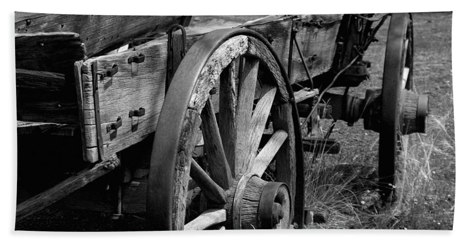Wagon Bath Sheet featuring the photograph Many Stiories To Tell by Vicki Pelham