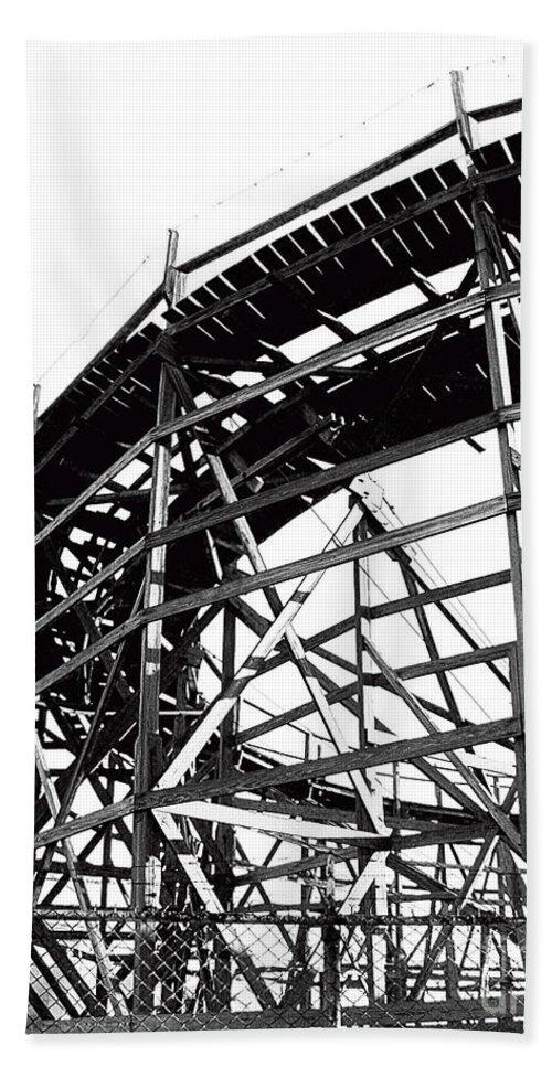 Roller Coaster Bath Sheet featuring the photograph Memphis Pippin by Lizi Beard-Ward