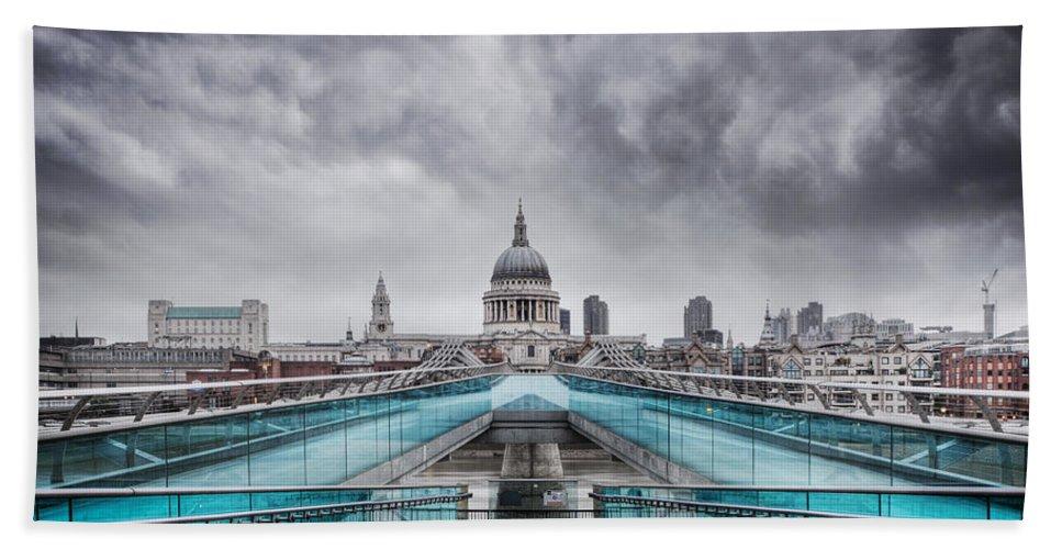 Millenium Bath Sheet featuring the photograph Millenium Bridge London by Martin Williams
